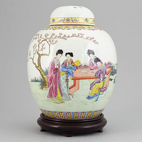A famille rose jar with cover, china, republic style, 20th century.