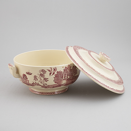 A part 'willow' earthenware dinner and coffee service, gustavsberg, 1940-1958 (93 pieces).