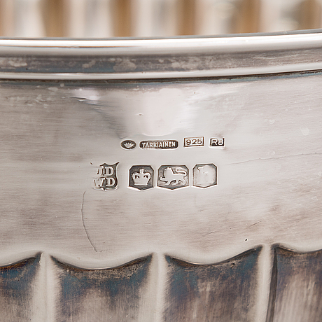 A footed sterling silver bowl, mark of john & william deakin, sheffield, 1925. finnish control marks.