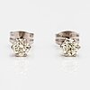 A pair of 14k white gold earrings with diamonds ca. 0.46 ct in total.