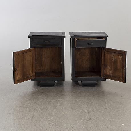 SÄngbord, ett par, 1900-tal.