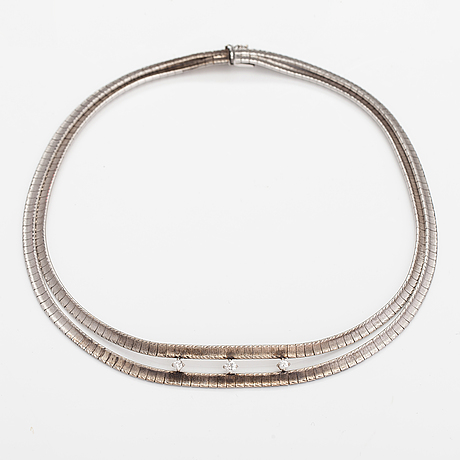 A 18k white gold necklace with diamonds ca. 0.55 ct in total.