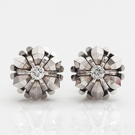Korvakorupari, 14k valkokultaa, timantteja n. 0.12 ct yht.