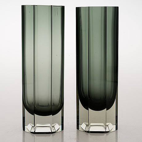 "Kaj franck, two glass vases ""pilari"". signed kaj franck nuutajärvi notsjö -64."