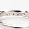 Sormus, 14k valkokultaa, timantti n. 0.41 ct kaiverruksen mukaan.