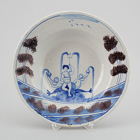 A pair of faiance dishes. sweden, rörstrand, 18th century.