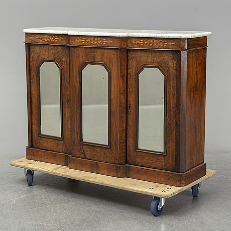 A walnut 1800's sideboard, england.