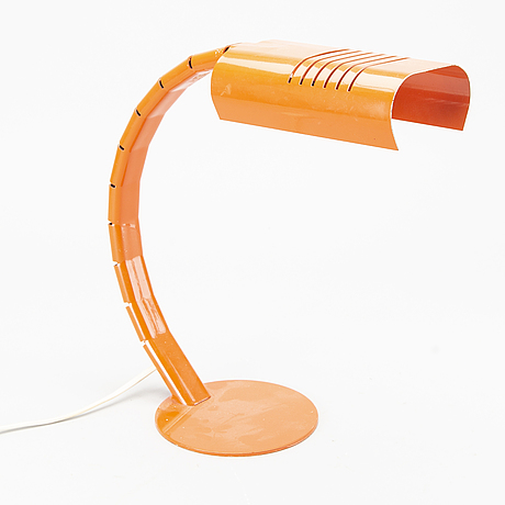 An italian table lamp.