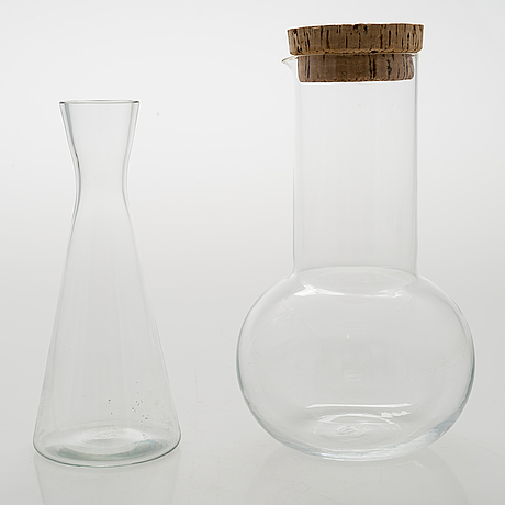 Kaj franck, two decanters and eight drinking glasses. nuutajärvi, mid-20th century.