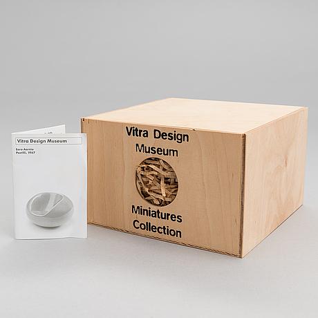"Eero aarnio, miniatyr, ""pastill"", vitra design museum."