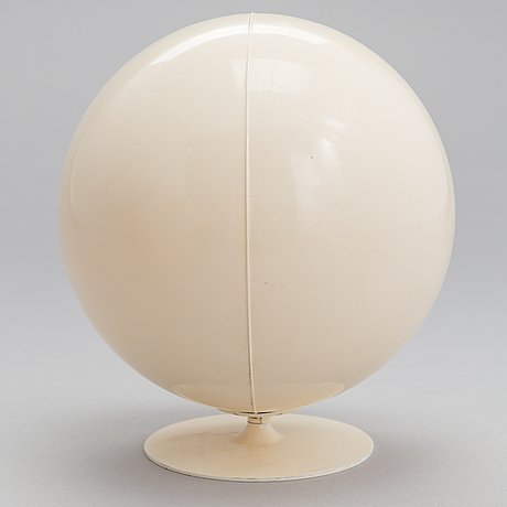 """Eero aarnio, miniatyyri, """"pallotuoli"""",  vitra design museum."""