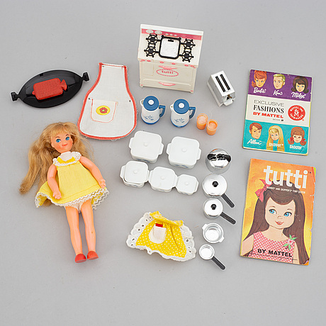 A set of three 1960's barbiedolls with accessories, mattel 1960's.