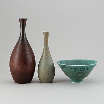 CARL-HARRY STÅLHANE, a set of two stoneware vases and a bowl, Rörstrand, Sweden 1950-60's.