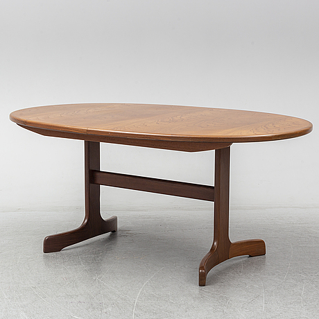A teak veneered dinner table, g-plan.