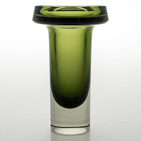 Kaj franck, a glass vase, model kf 260. signed k franck nuutajärvi notsjö -60.