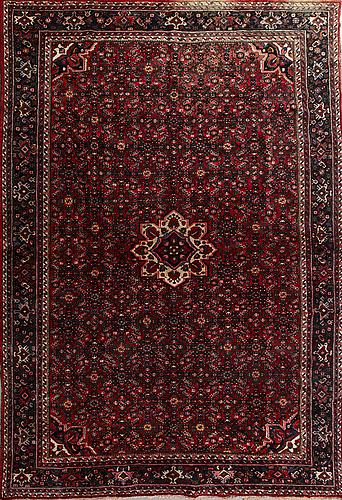 A semaintique oriental carpet ca 390 x 267 cm.