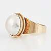 18k gold and mabe pearl.