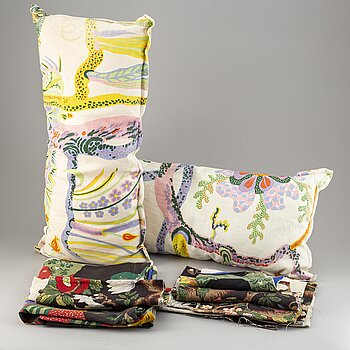 JOSEF FRANK, cushions and textile.