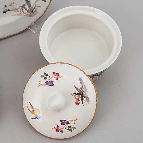 A part 'devon rose' dinner and coffee/teaservice, england, wedgwood, designed 1971-1991 (68 pieces).
