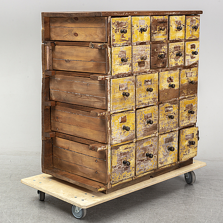 An early 20th century chest of 22 drawers.