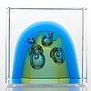 Oiva toikka, a glass cube signed oiva toikka nuutajärvi 2007 517/2000.