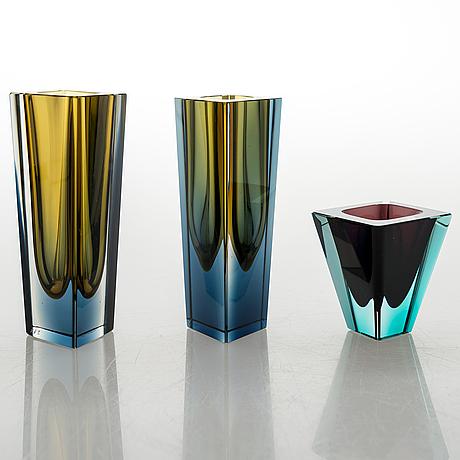 """Kaj franck, three glass vases """"prisma"""". signed  k franck nuutajärvi notsjö -64/-68/-69."""
