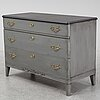 A first half of the 20th century chest of three drawers.