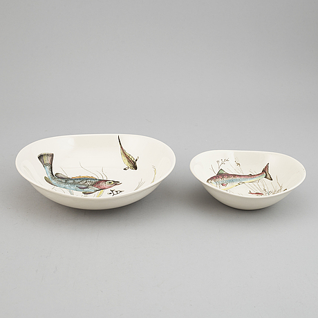 A 71 piece porcelain 'fish' table ware by johnson bros england.