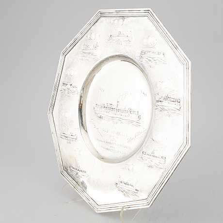 An octagonal silver commemorative plate, maker's mark per torndahl, stockholm 1943.