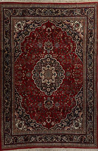 An old isfahan ca 355 x 246 cm.