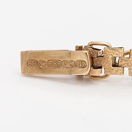 A 14k gold bracelet. keravan kultaseppä, helsinki 1973.