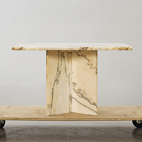 Soffbord, två st, marmor, 1980-tal.