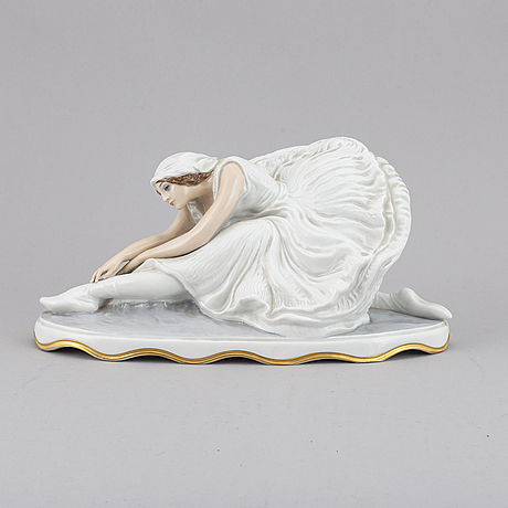 "A porcelain figurine of ""the dying swan"", constantin holzer defanti, rosenthal."