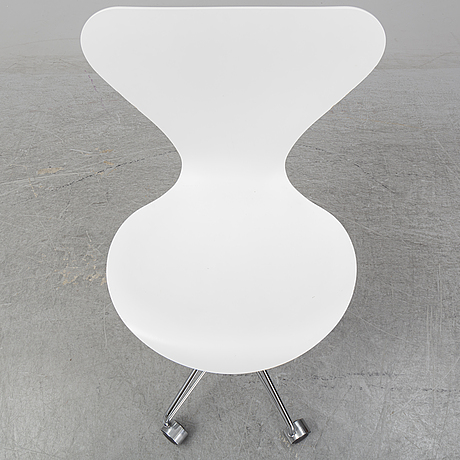 Arne jacobsen, a ' series 7' swivel chair from republic of fritz hansen, denmark.