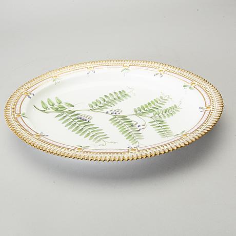 "Fat, porslin, ""flora danica"", royal copenhagen. 1900-tal."