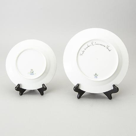 Two 20th century flora danica royal copenhagen porcelain dishes.