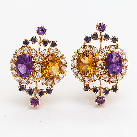 """18k gold earring """"sophia albertina"""" with amethysts, cordierites, citrines and diamonds ca. 1.05 ct in total."""