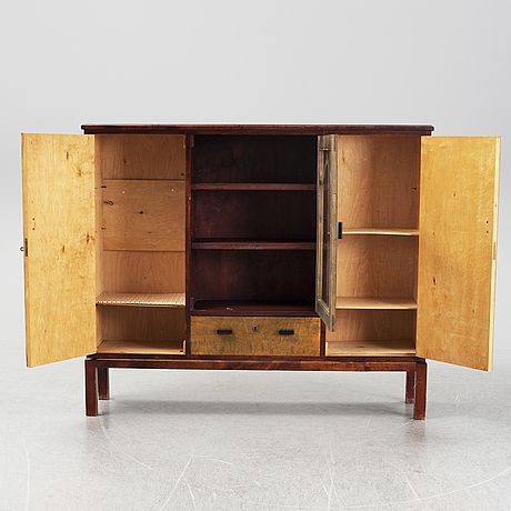 A 1930s cabinet.