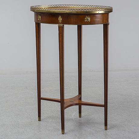 Bord, gustaviansk stil, 1900-talets början.