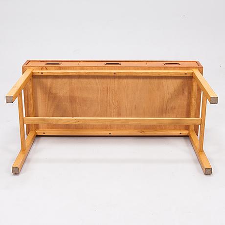 A 50's sideboard in teak.