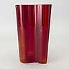 Alvar aalto, a savoy 21th century iittala vase.