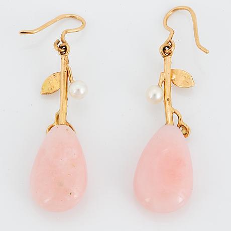 ÖrhÄngen, med rosa opaldroppar, pärlor och diamanter.