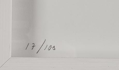 Annika von hausswolff, färglitografi efter foto, signerad och numrerad 17/100 med blyerts.