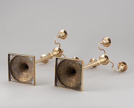 Kandelabrar, ett par, mässing, sannolikt skultuna, 1800-talets mitt.