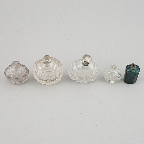 Five glass snuff bottles, 18th/19th century.