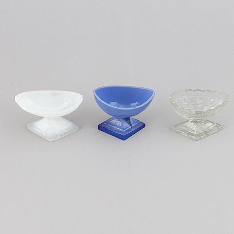 Saltkar, 3 st, glas, omkring år 1800.