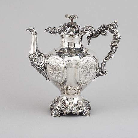 Kaffekanna, nysilver, 1800-tal. nyrokoko.