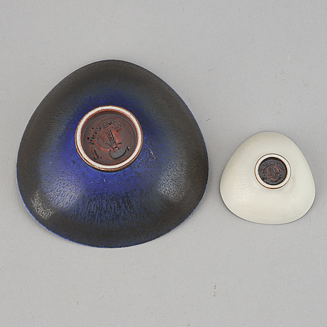 Berndt friberg, two stoneware miniature dishes, gustavsberg studio, 1962.