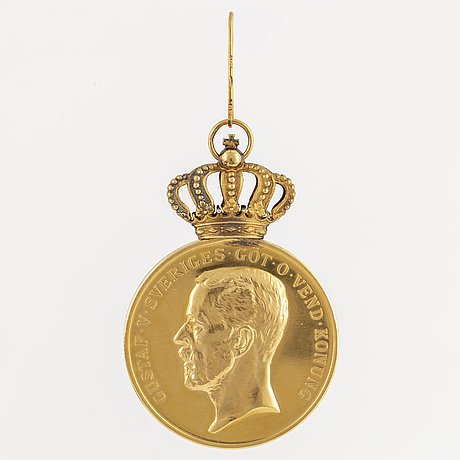 A swedish gold medal dated 1940.