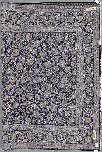A carpet, a kashan, ca 350-354 x 249,5-255,5 cm, signerad kashan nr: 148  rjaei.